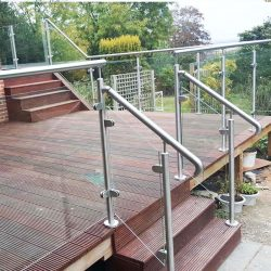 Stainless-steel-post-balustrade-system